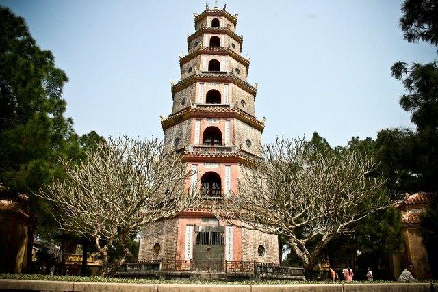 Phuoc Duyen Tower of Thien Mu pagoda