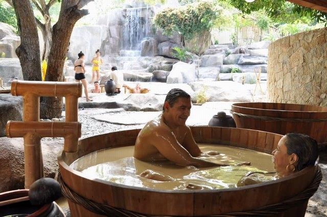 I-Resort hot mineral springs