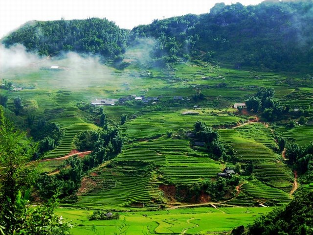 Travel to Hoa Binh