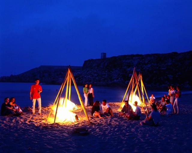 feu de camp sur la plage de Binh Tien