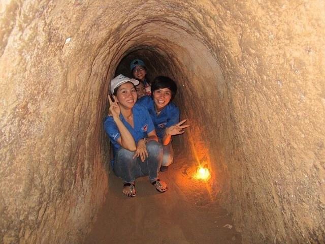 Опыт ползет в туннели Ку Чи