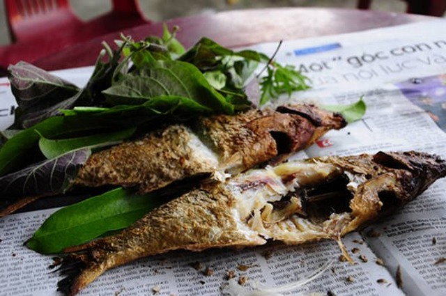 Grilled fish of Song Da river - Hoa Binh