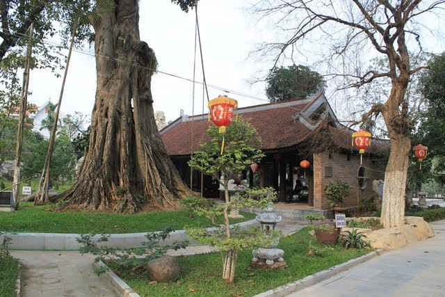 The ancestor temple of Van Phuc silk Village