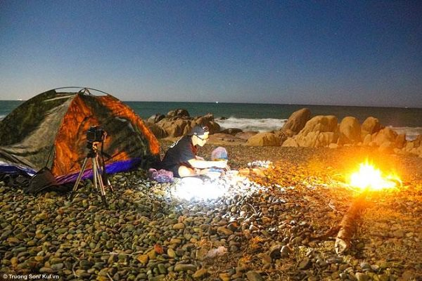camping at Co Thach beach