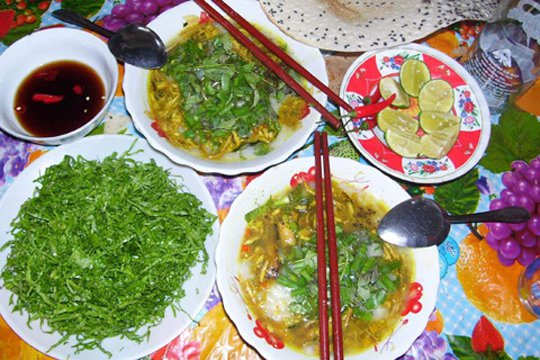 Porridge with eel and green mustard in Quang Nam