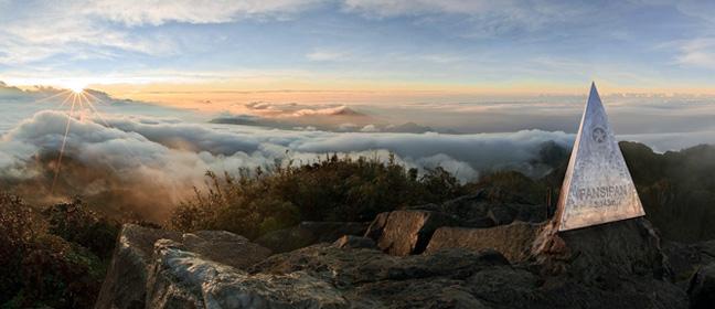จุดสูงสุดของภูเขา Fansipan