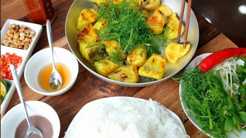 Hanoi cuisine is always attractive with its own dishes
