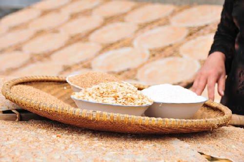 งาและถั่วลิสงทำให้ข้าว Ke เค้กเปรี้ยวมีกลิ่นหอมมากขึ้น, อาหารคาวและง่ายต่อการกิน