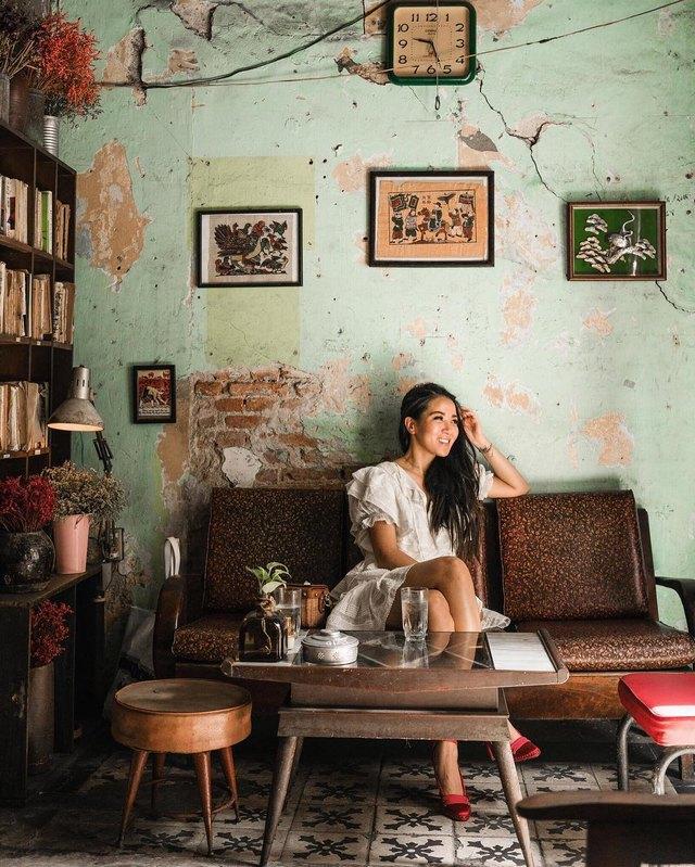 Cafe 81 is at 216B Nguyen Van Nguyen Street, Tan Dinh, District 1@wendyslookbook