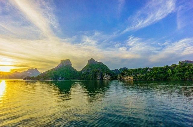 Ha Long Bay Travel Guide from A to Z