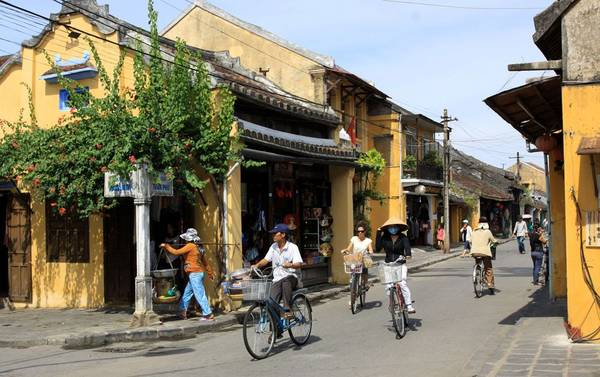 Bicycles are the main means of transportation in the old town