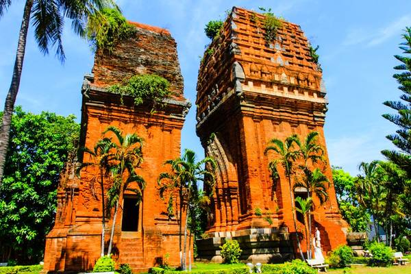 Thap Doi (Twin Towers)