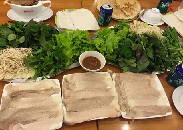 pork with rice paper rolls