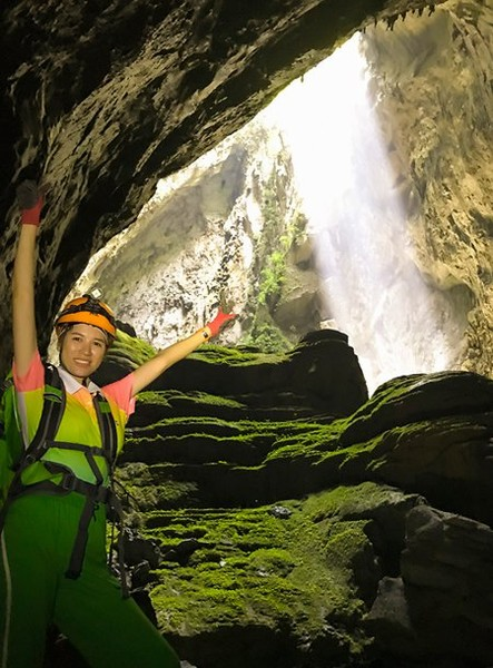 Journey through Son Doong Cave 6