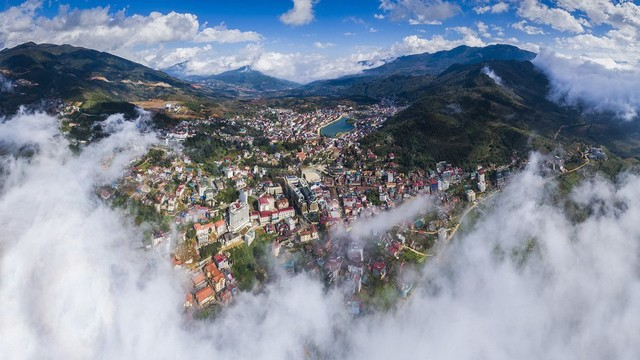 Panorama of Sa Pa hidden in the cloudy sky - Photo THANH TOAN