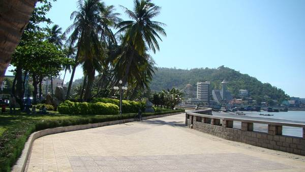 Bai Truoc Park area