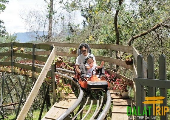 The alpine coaster at Datanla waterfall