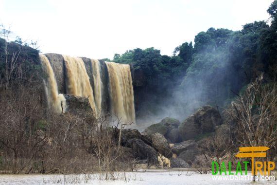 Jraiblian Waterfall