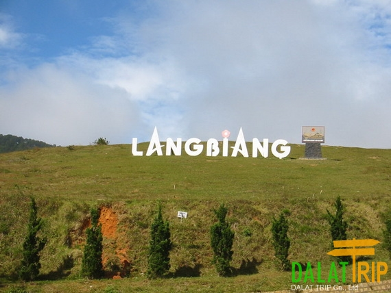 Langbiang Mountain Footer