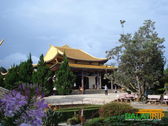 The main hall of Truc Lam Zen Monastery
