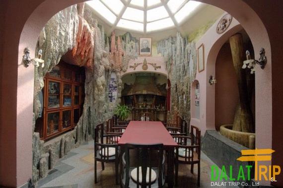 Hang Nga House