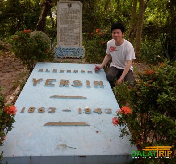 Dr. Yersin Tomb