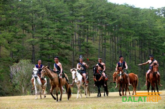 Horse riding in Cu Lan village