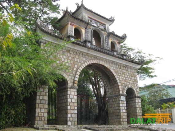 Lam Ty Ni Pagoda in Dalat