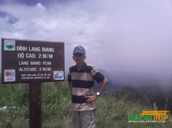 Super Man of Conquering Lang Biang Peak