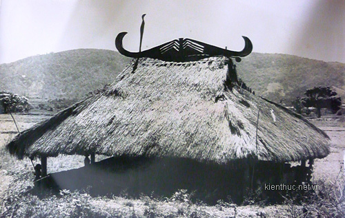 the house of Lach people