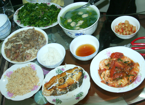 Family Meals, the culture of Dalat people