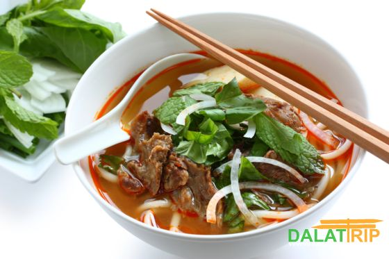 Hue style beef rice noodle