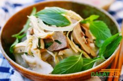 Bánh Ướt Gà – steamed thin rice pancake with chicken giblets – a special dish of Dalat
