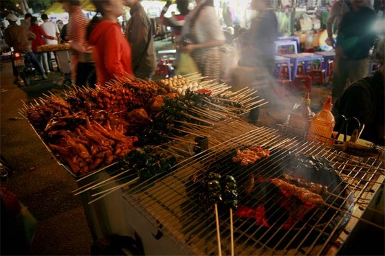 street food at Dalat night market