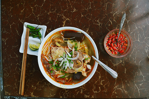 Three shops of Bun (vermicelli soup) for guests who like to try new tastes in Dalat