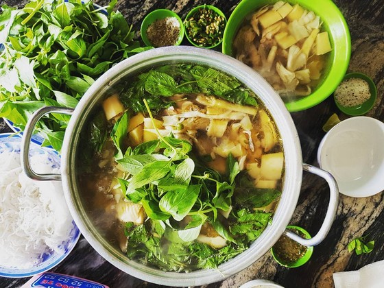 Chicken hotpot - delicious dish of Dalat warms the traveler