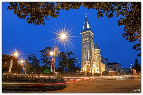 Dalat Night – the magical beauty captivates people