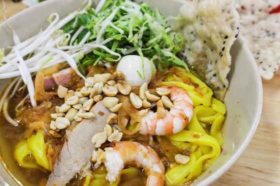 Quang style noodle