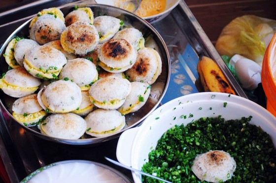 Dalat Can cake (Banh Can) - the delicious eateries selling Can cake in Dalat